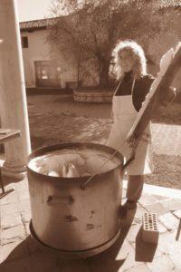 Laboratorio di Ceramica Raku Università Popolare di Borbiago - la cottura con Paola Zago